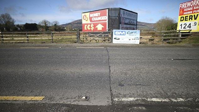 Briuselis galimai rado būdą išvengti fizinės sienos Airijoje
