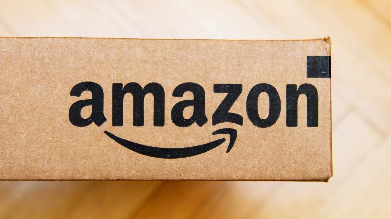 """""""Amazon"""" Britanijoje sukurs 2 tūkst. naujų darbo vietų"""