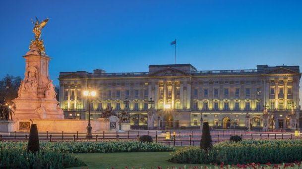 Londone suimtas į Buckinghamo rūmus besibrovęs vyras