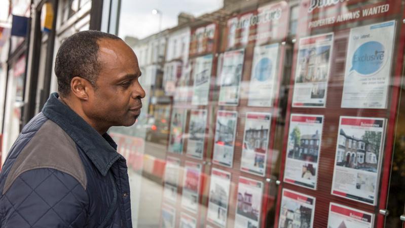 Būsto kainos Londone krenta sparčiausiai per dešimtmetį