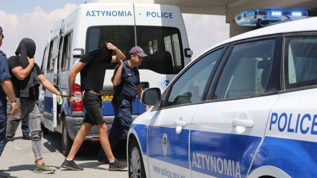 Skandalas Kipre: 12 izraeliečių kaltinama devyniolikmetės britės grupiniu išprievartavimu