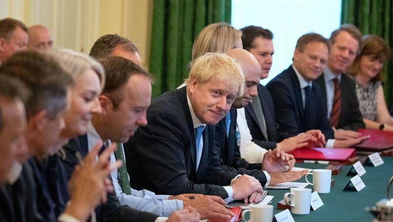 JK pirmą kartą posėdžiavo B. Johnsono vyriausybė
