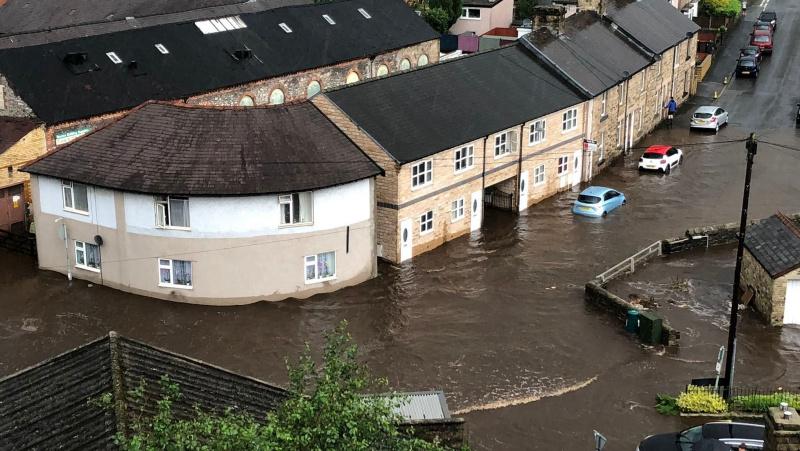 Dideli potvyniai pridarė žalos kai kuriuose Anglijos rajonuose