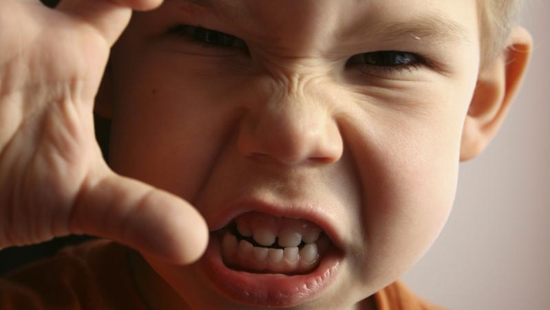 Anglijoje padvigubėjo vaikų smurto prieš tėvus atvejų