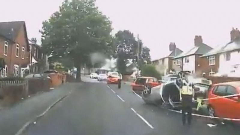Galimai išgėręs lietuvis Anglijoje padarė avariją ir spruko iš įvykio vietos