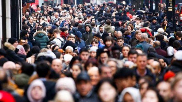 """Naujausia analizė: JK statistikos biuras """"nepakankamai įvertino"""" ES migracijos į JK lygį"""