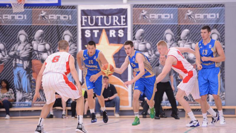 Anglijoje rungsis jaunieji Lietuvos krepšinio talentai