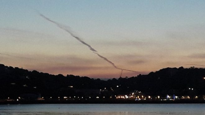 Krentantis meteoras išgąsdino JK gyventojus, palaikė byrančiu lėktuvu
