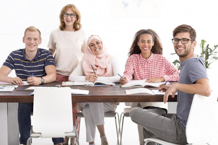 JK valdžia panaikino Th. May eros taisykles užsieniečiams studentams