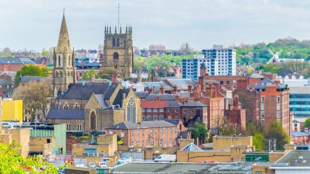 Įvardijo JK miestus, kur nuomos kainos auga sparčiausiai