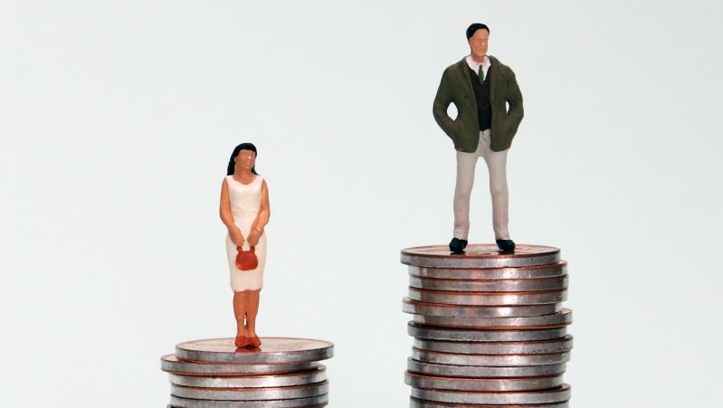 JK dar labiau padidėjo skirtumas tarp vyrų ir moterų atlyginimų