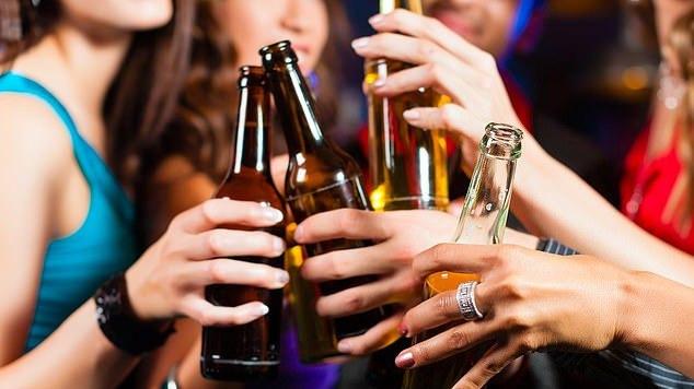EBPO duomenys: britai geria daugiau už amerikiečius, bet pirmauja ... lietuviai