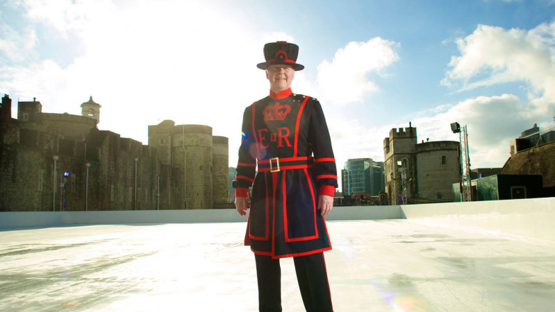 Savaitgalį atidaroma London Tower čiuožykla
