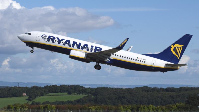 """Ispanijos teismas pripažino """"Ryanair"""" bagažo mokesčius """"pertekliniais"""""""