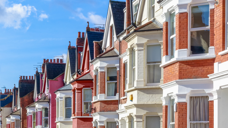 Londono būsto rinka rodo gyvybės ženklus, kainos ūgtelėjo dėl sumažėjusios pasiūlos