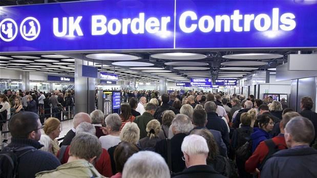 Grynosios migracijos mastas JK: mažiau atvykėlių iš ES, daugiau – iš kitų pasaulio šalių