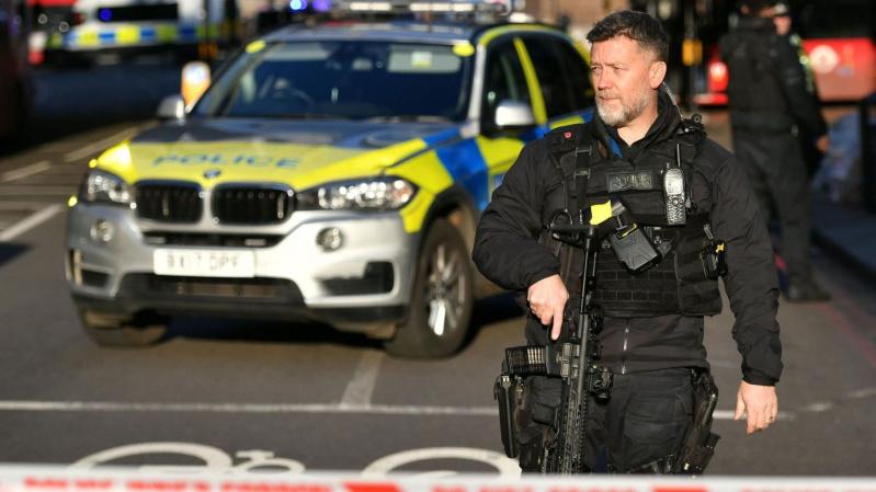 Išpuolis ant Londono tilto: užpuolikas nukautas, sužeisti 5 žmonės