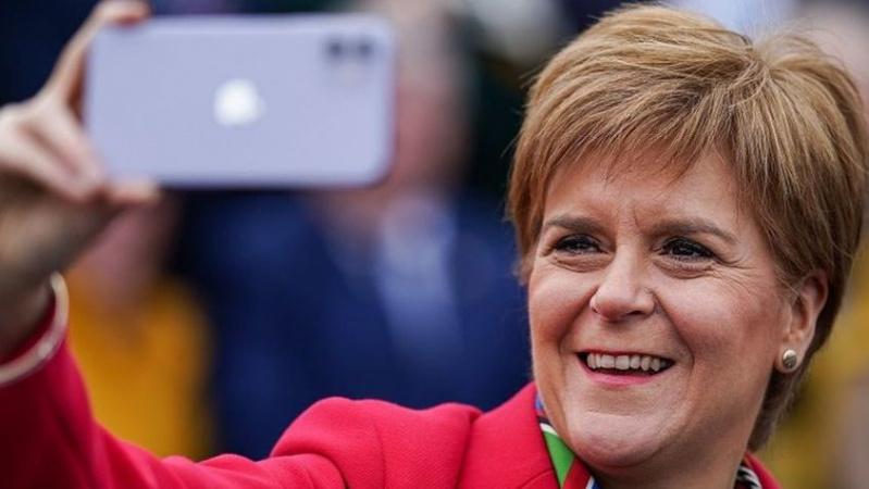 """Vadovė: Škotija """"negali būti įkalinta"""" Jungtinėje Karalystėje"""