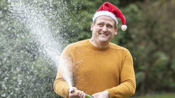 JK latvis laimėjo £1 mln., tačiau dirbo ... per Kalėdas