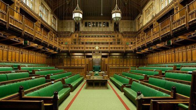 """Istorinė diena JK: parlamente pagaliau turėtų būti priimtas """"Brexit"""" susitarimas"""