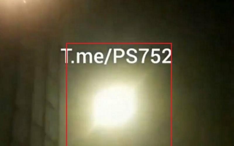 Vaizdo įraše užfiksuotas Ukrainos keleivinio lėktuvo numušimas (video)