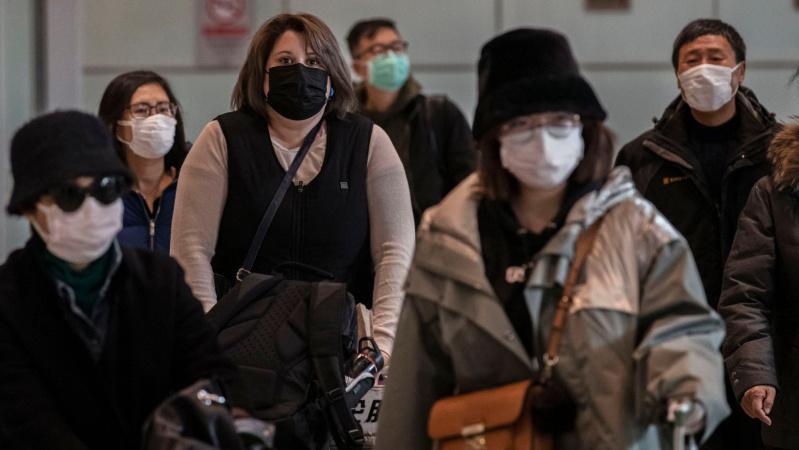JK piliečius iš viruso paveiktos Kinijos atskraidins penktadienį, skelbia daugiau detalių dėl izoliacijos