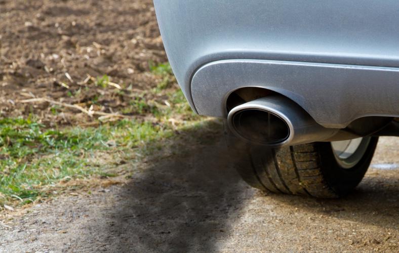 JK valdžios planai: benzininių ir dyzelinių automobilių draudimas nuo 2035 m.