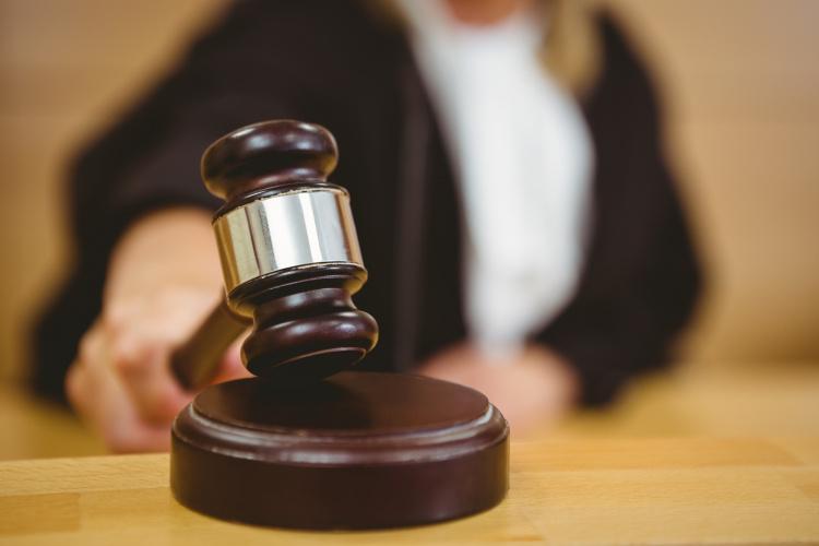 Jaunas JK lietuvis įkliuvo dėl prekybos narkotikais, tačiau teismas jo pasigailėjo