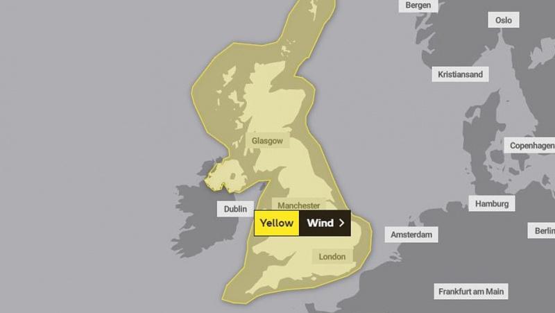 JK laukia audringas savaitgalis: vėjo gūsiai sieks 36 m/s, smarkiai lis