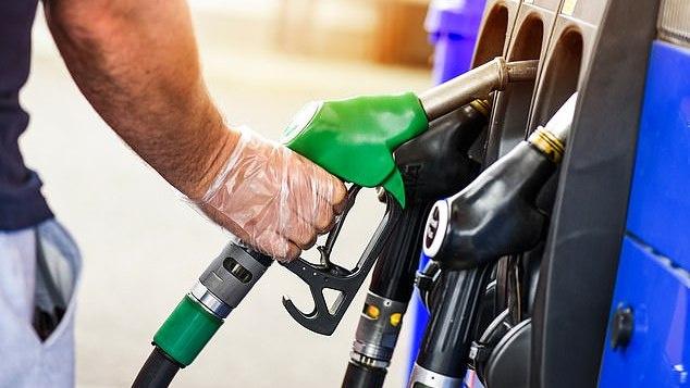 JK pirmą kartą per dešimtmetį gali didėti degalų akcizas, tai palies 37 mln. vairuotojų