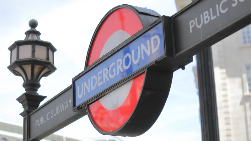 Dėl koronaviruso Londone uždarys iki 40 metro stočių