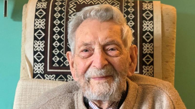 JK gyvenantis seniausias pasaulyje vyras netrukus sulauks 112 metų