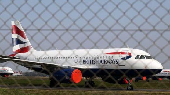 """""""British Airways"""" sustabdys 36 tūkst. savo darbuotojų darbą"""