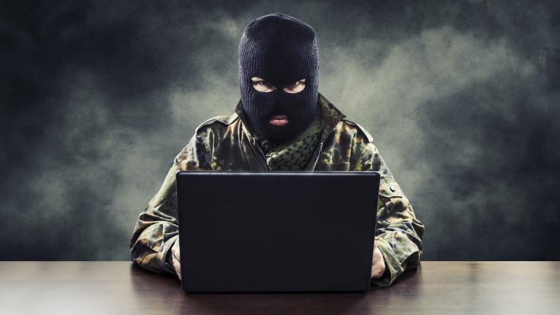 Koronavirusas JK: gyventojai, verslas dėl sukčių jau prarado £1,86 mln.