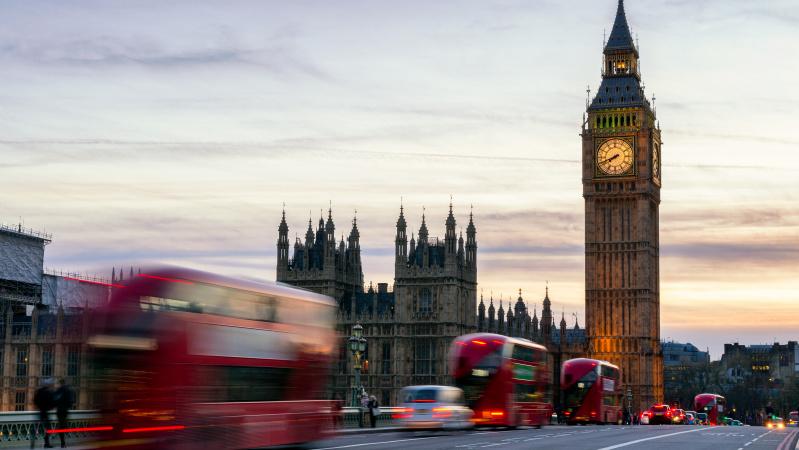 Londone bus galima nemokamai važiuoti autobusais, taip siekiama apsaugoti vairuotojus