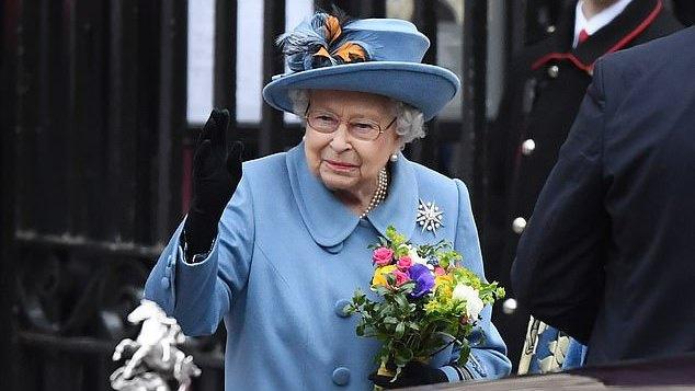 Karalienė Elžbieta II-oji švenčia 94-ąjį gimtadienį