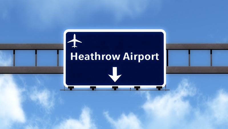 Pakraupo nusileidęs Londono Heathrow oro uoste: jokių testų, patikrų ...