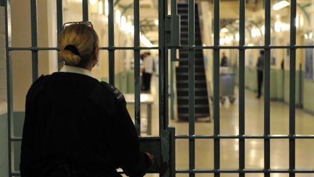 PHE: JK kalėjimuose gali būti per 2000 užsikrėtusiųjų koronavirusu