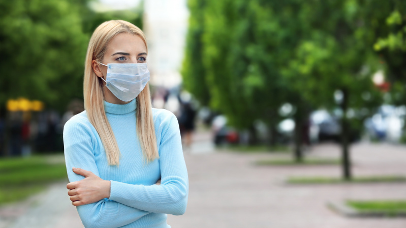Koronavirusas JK: Škotijos valdžia rekomenduoja parduotuvėse, keliaujant užsidengti veidą