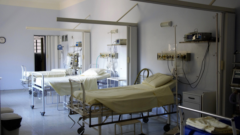 Jungtinė Karalystė - mirčių nuo koronaviruso lyderė Europoje