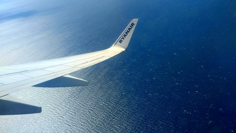 """""""Ryanair"""" nuo liepos atnaujina nemažą dalį skrydžių"""