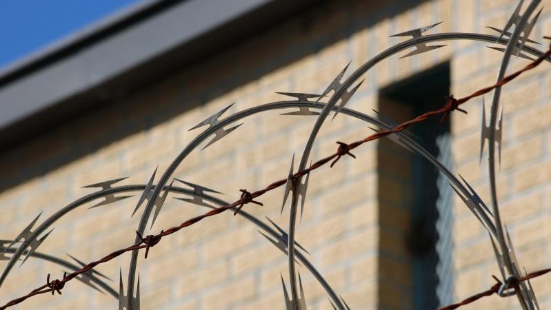 Anglijoje sulaikytas metus ieškotas Kamuolinių grupuotės narys