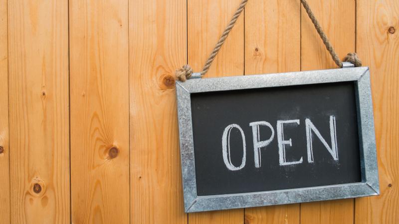 Nuo birželio 15 d. Anglijoje bus leista atsidaryti ne būtiniausių prekių parduotuvėms