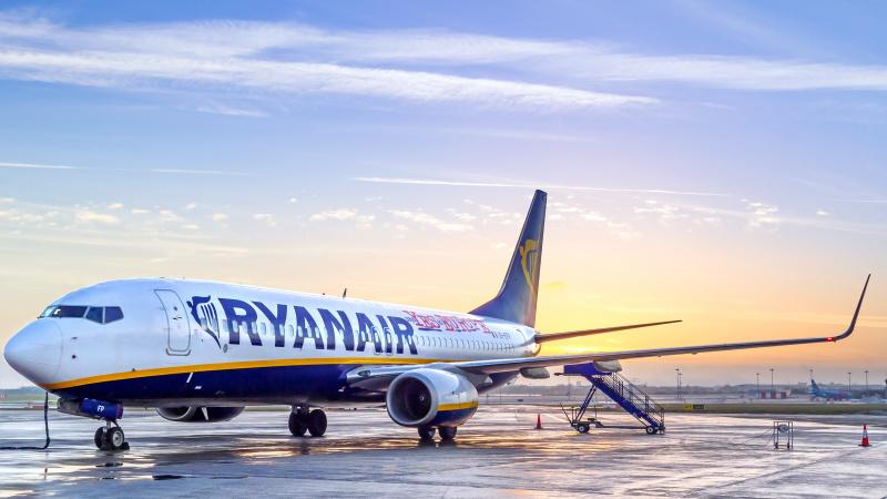 """""""Ryanair"""" ketina liepą jau vykdyti 40 proc. įprastinių skrydžių"""
