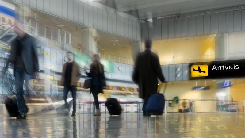 JK vyriausybė jau svarsto, kaip švelninti karantino tvarką atvykstantiems į šalį