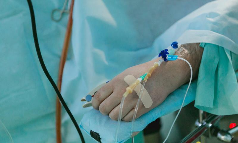 Sergantys sunkiomis ligomis papasakojo, kaip išgyveno COVID-19