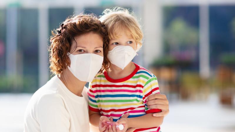 Tyrimas Vokietijoje: privalomas kaukių dėvėjimas koronaviruso plitimą sumažina 40 proc.