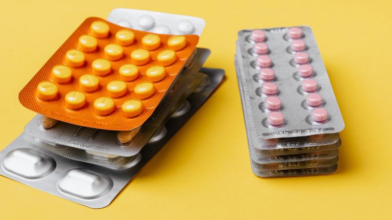 Įspėjo dėl veiksmingų vaistų koronavirusui gydyti – šiukštu taip nesielkite