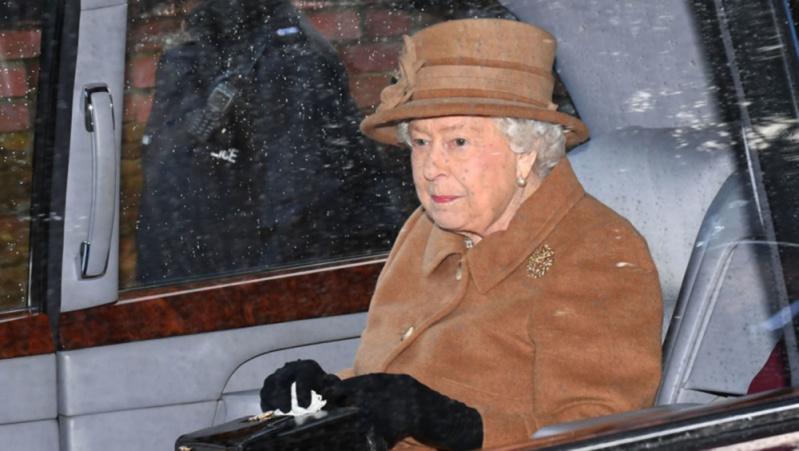 Anglijos karalienė gali pasidžiaugti nepriekaištinga veido oda: kokia yra jos paslaptis?