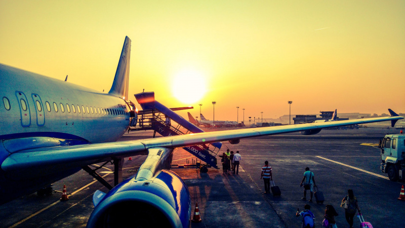 Į Jungtinę Karalystę skrydžių dar nebus, nors bilietai ir toliau pardavinėjami